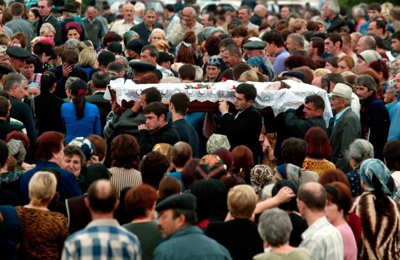 «Город ангелов и белых птиц»: трагедия в Беслане глазами очевидца