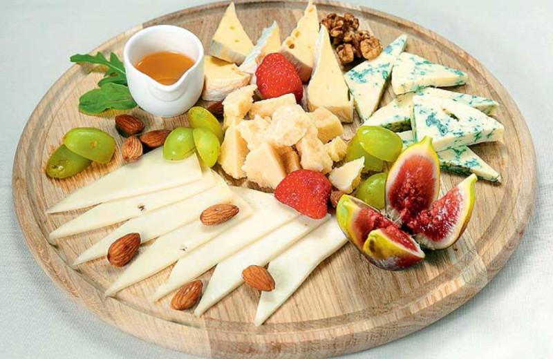 Сырная лавка: главные итальянские сыры