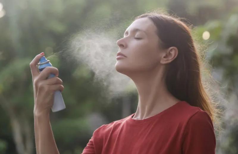 Почему не надо пользоваться термальной водой: эксперт назвал 5 причин