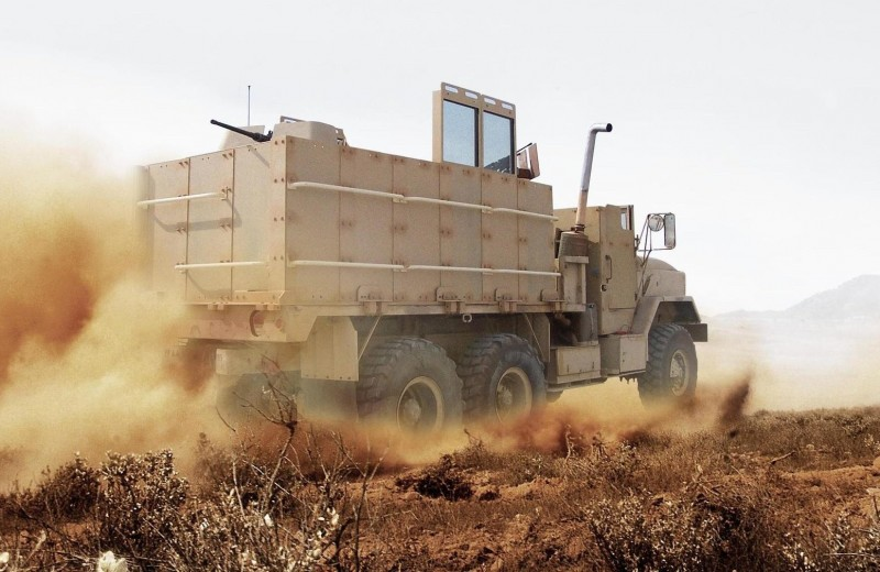 Гантраки: грузовики с пушками и пулемётами