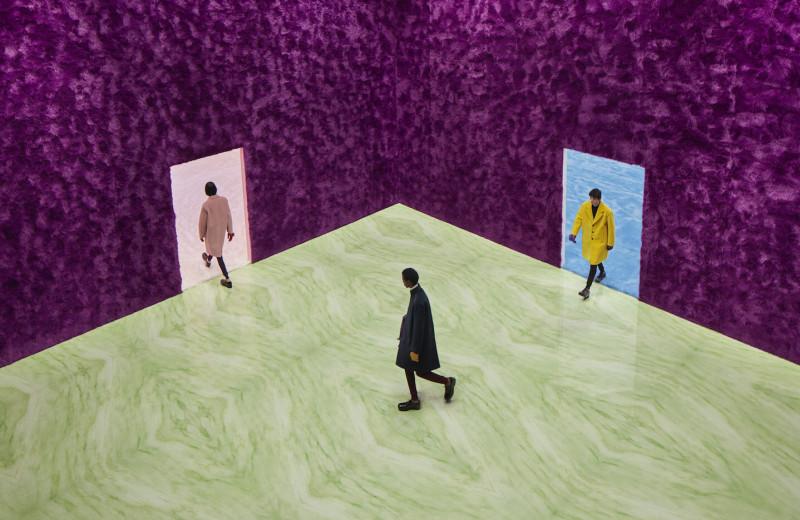 «Вы должны понять, кто вы, — и тогда вопрос выбора одежды станет очень простым»: о чем говорили Раф Симонс и Миучча Прада после мужского показа Prada