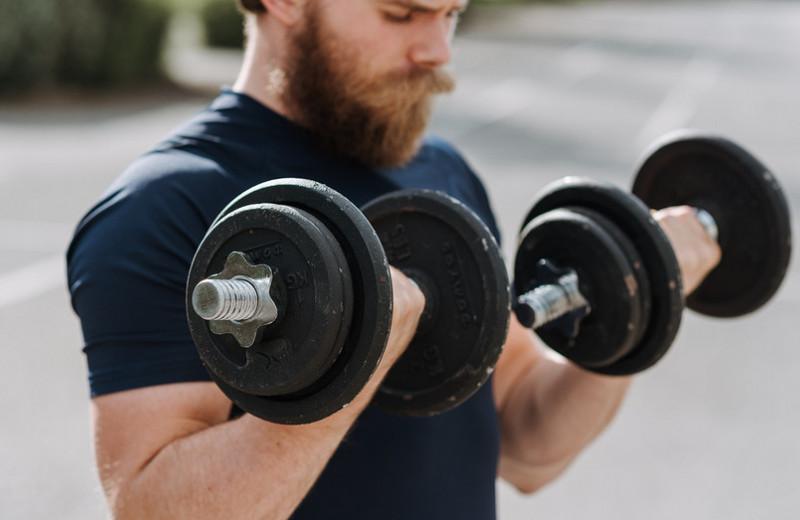 4самые частые ошибки при подъеме веса, названные экспертом