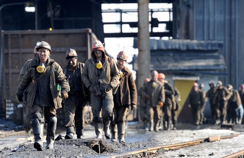 Угольщики Донбасса добывают плату за добытое