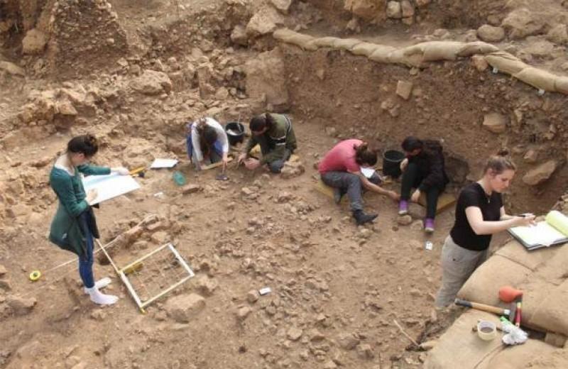 Люди начали есть змей и ящериц еще 15 000 лет назад