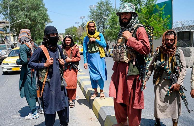 Паранджа и подпольные школы: что ждет женщин при «Талибане»
