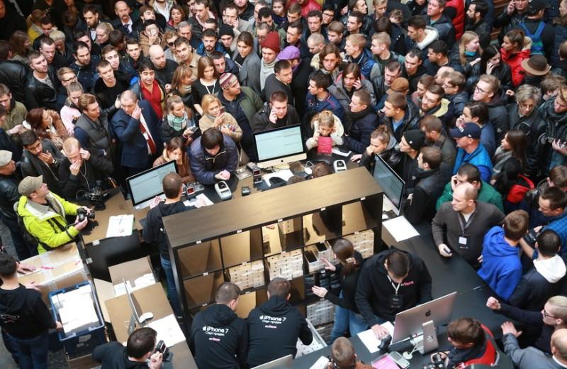 «Цены поднимутся на 10-15%»: как рынок электроники отреагирует на ослабление рубля