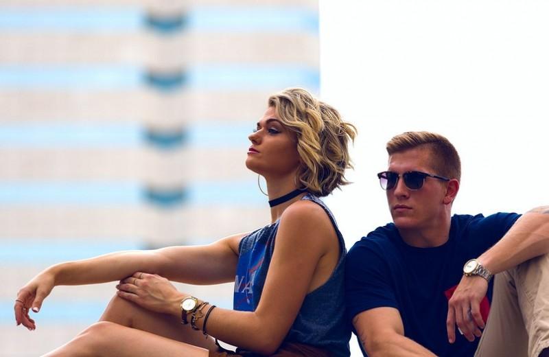 Ревнует девушка? 4 способа исправить ситуацию и зажить в гармонии
