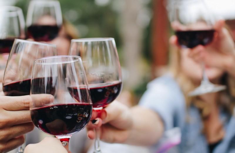 Красное вино: польза ивред для здоровья мужчин иженщин