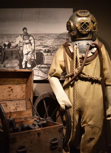 Как выглядели первые гидрокостюмы (пугающие фото)