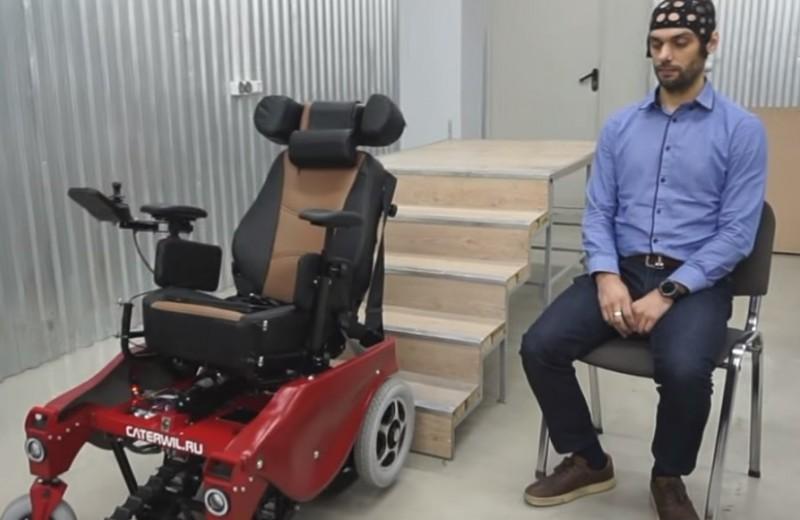 Новосибирский инженер создал инвалидную коляску, управляемую силой мысли