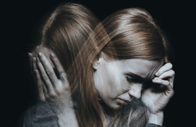 Перепрясть солому в золото: почему женщины чаще страдают депрессией