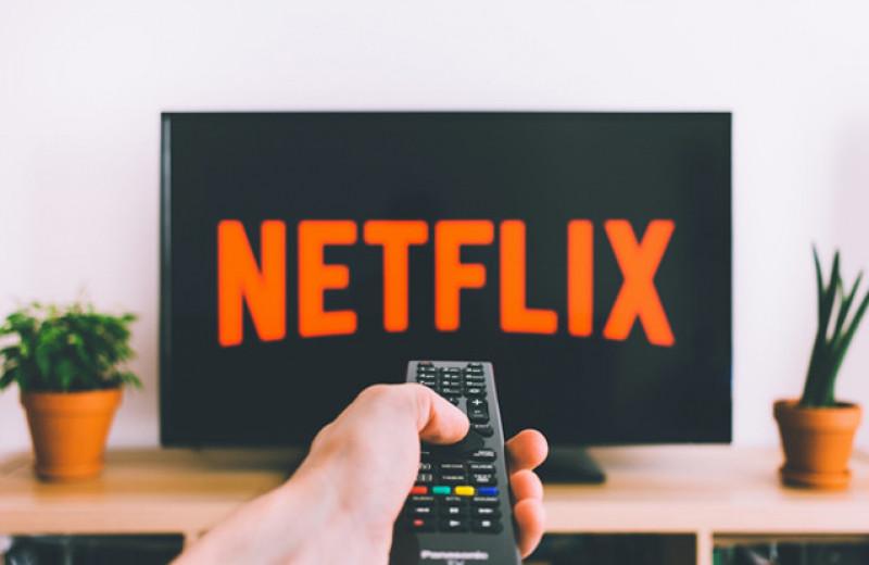 Как Netflix пришел в Россию и подчинился правилам игры