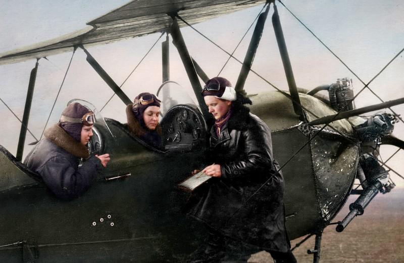 Лётчица Женя Жигуленко: почему так хорошо быть длинноногой на войне
