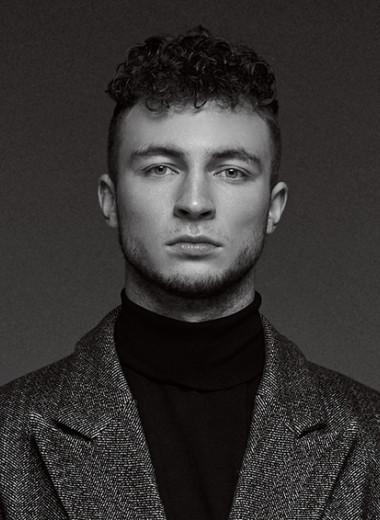 Статный парень с обезличенным контентом: как 23-летний спортсмен стал самым крупным тиктокером в России