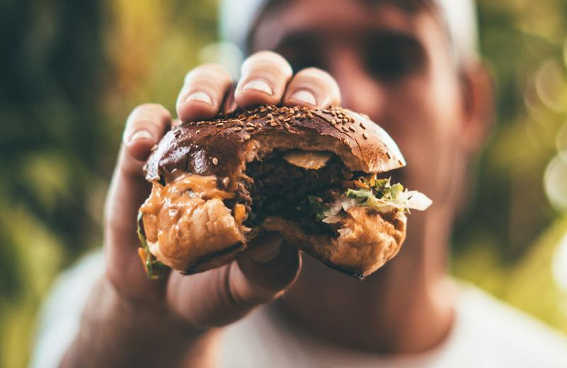 Почему мы заедаем стресс? Взаимосвязьтревоги и чувства голода