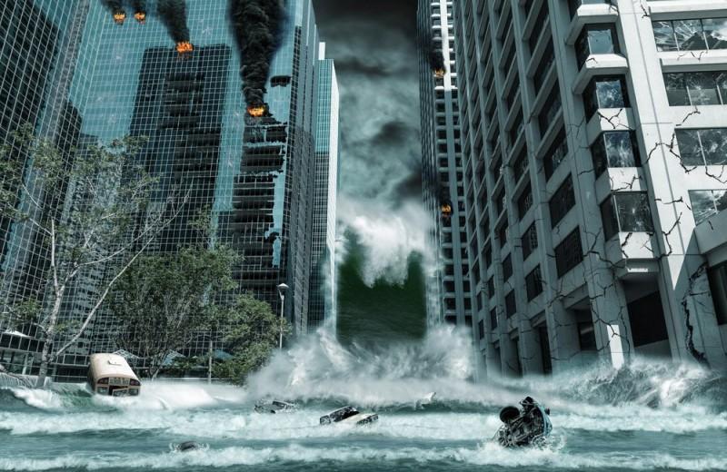 Шторм и гроза в условиях города: главные правила выживания