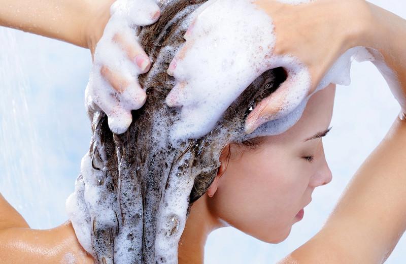 Как правильно мыть голову: важные правила, которые должна знать каждая
