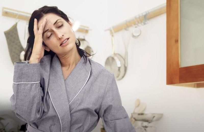 Как избавиться от головной боли, отеков и симптомов ПМС с помощью акупунктуры