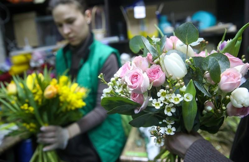 Новая экономика 8 марта. Как интернет-компании зарабатывают на женском празднике