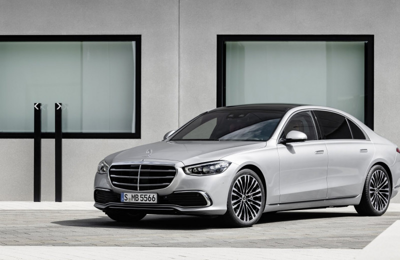 Mercedes-Benz рассекретил новый флагманский седан