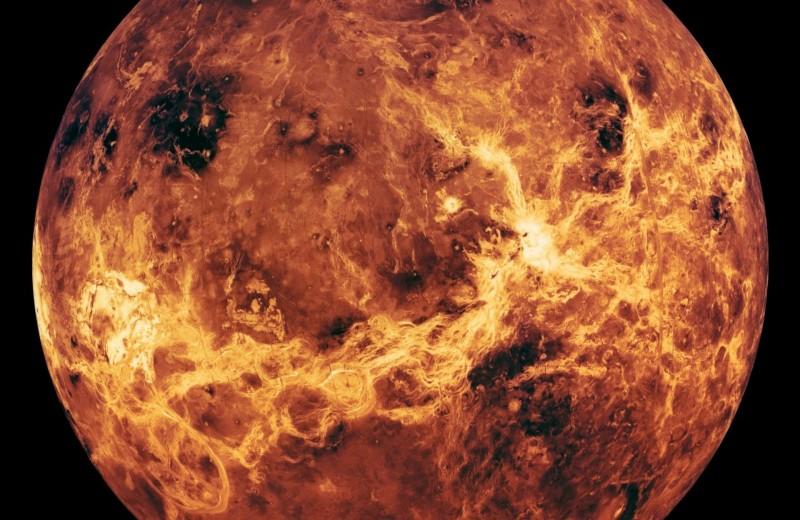 Темные пятна на Венере влияют на погоду. Это могут быть микроорганизмы