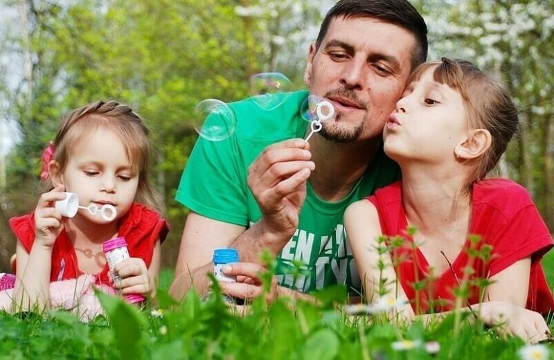 У него есть дети от предыдущего брака: как правильно себя вести