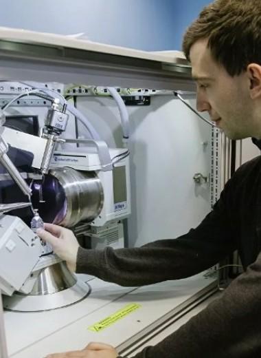 В России разрабатывают высокомощный аккумулятор на искусственных кристаллах