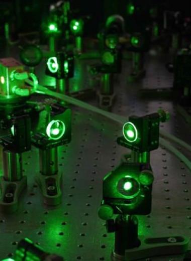 Антивещество впервые замедлили с помощью лазера