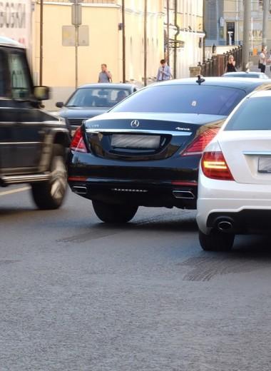 «Они работают нагло и четко». Как автомобилистов подставляют на дороге