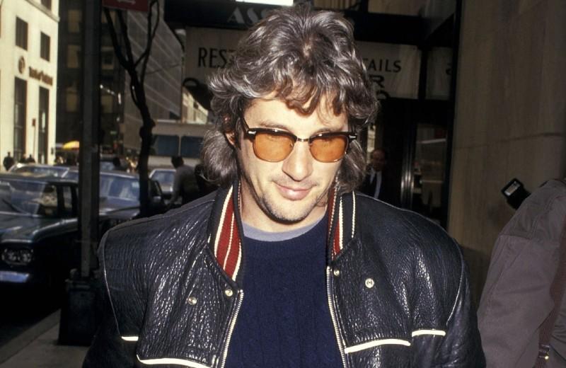 Посмотрите на Ричарда Гира, если вам нужны новые очки