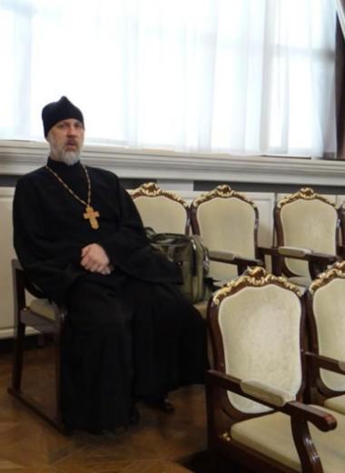 «Паразитирование на христианстве»: священник, отстранённый за критику храма Минобороны — о сращивании Церкви и власти