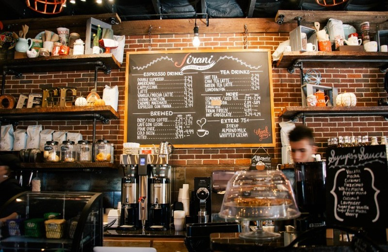 4 ситуации, в которых можно не оставлять чаевые официанту