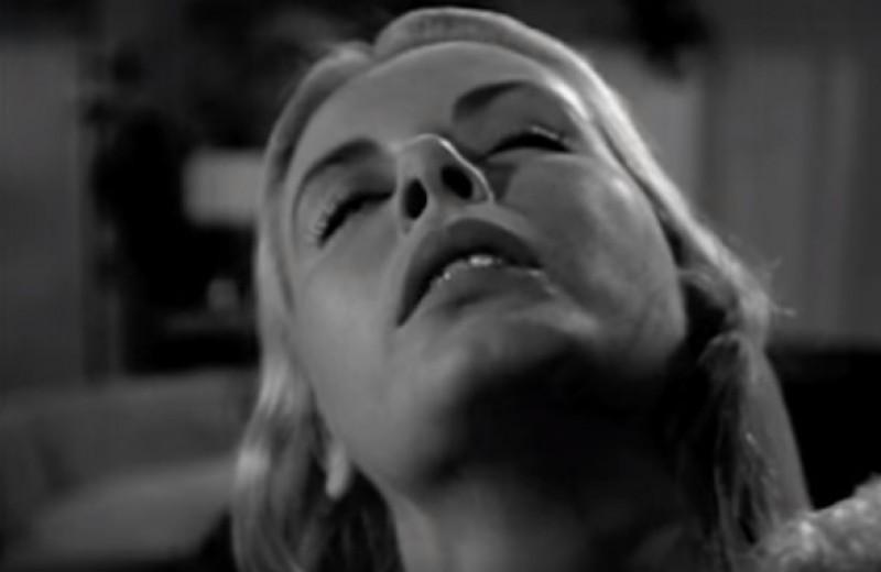 Первая сцена в истории кино с намеком на оральный секс (видео)