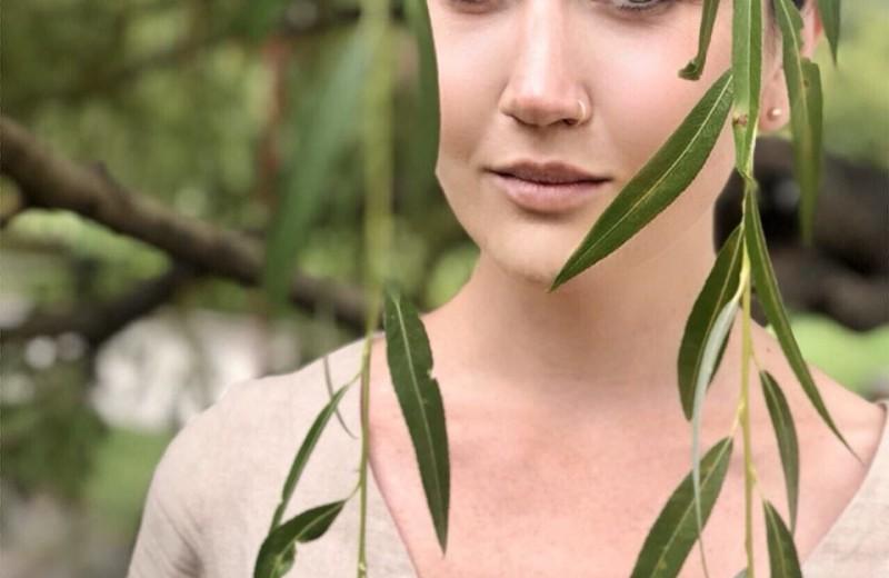 Как сделать классные фото на мобильный: советы модели и фотографа