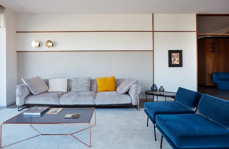 Голубой в каждый комнате: Светлая квартира в Турине
