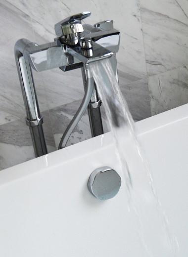 Почему стандартные ванны обычно короче человеческого роста