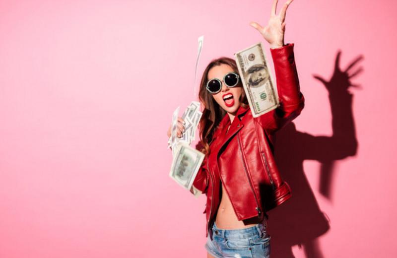 5 причин, по которым мы тратим деньги в никуда: что с этим делать?