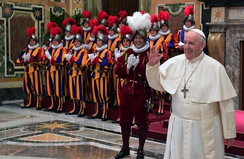Лучшие шутки папы римского Франциска