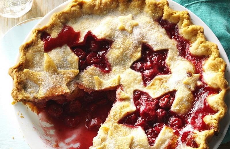 Вишневый пирог, который на вкус как лето: идеальный рецепт для дома