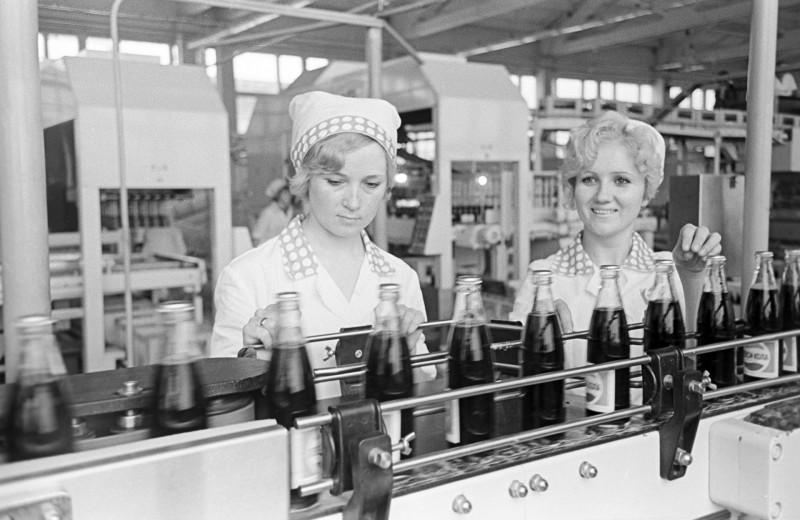 Как СССР и США договорились менять водку на «Пепси-Колу»