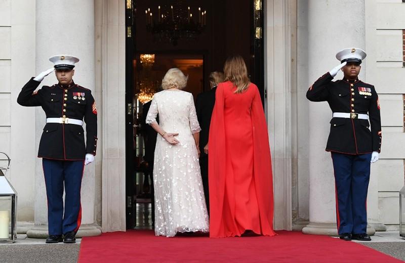 Красная помада и босоножки: что этикет запрещает женам президентов