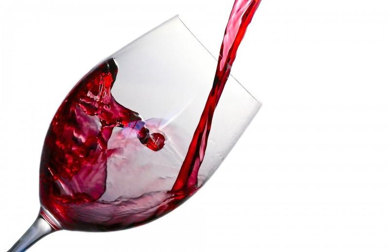 Какие опасности таит в себе красное вино