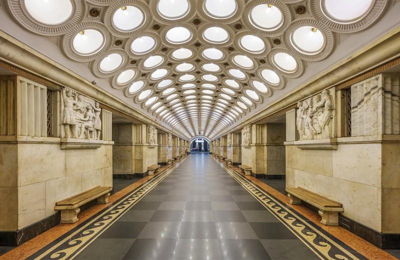 Скрытые сокровища Москвы: 5 публичных мест в столице, где «спрятаны» произведения искусства