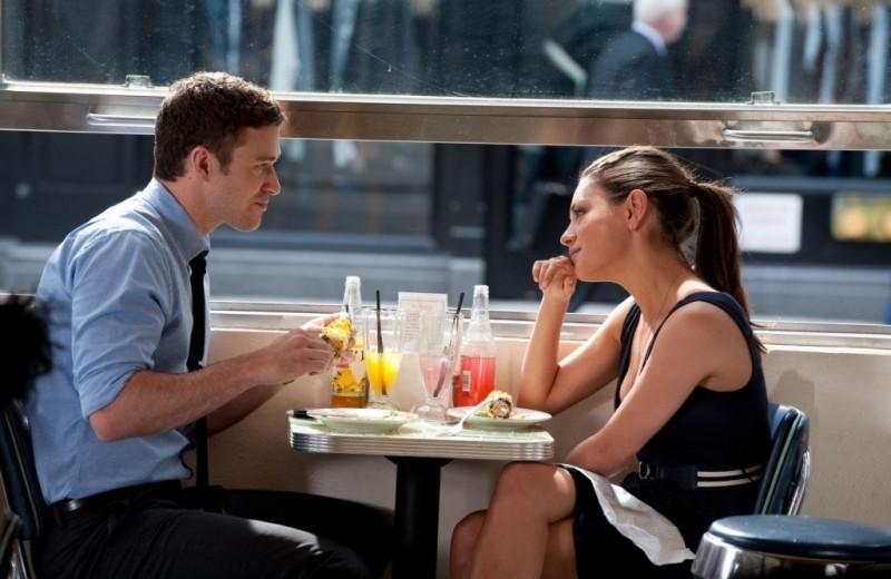 Что лучше всего спрашивать у девушки на первом свидании? Памятка из 9 вопросов