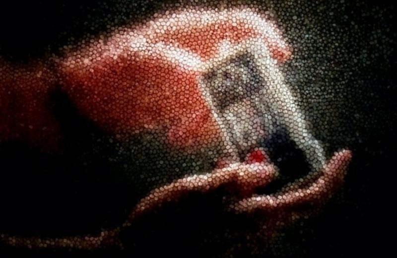 Американский дизайнер создал камеру, которая захватывает изображение с помощью 23 тысяч соломинок для кофе