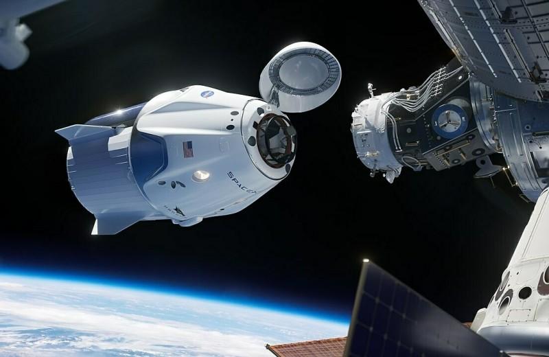 NASA впервые за десять лет запустит астронавтов на МКС с территории США — на корабле и ракете SpaceX