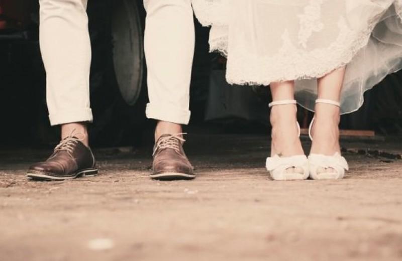 Менять ли фамилию, выходя замуж: 9 моментов, которые стоит обдумать