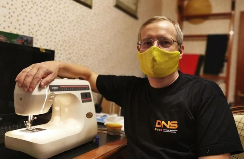 «Не надо помогать бизнесу деньгами»: совладелец DNS Дмитрий Алексеев о том, как сеть выживает в этот кризис