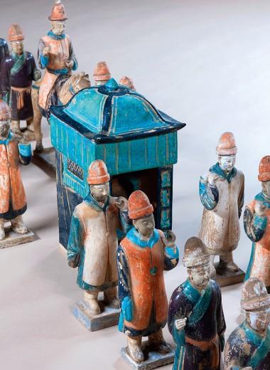 В Москву привезли терракотовую армию в миниатюре