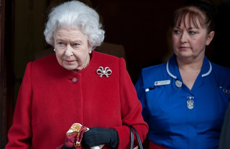 5 медсестер на одного пациента: как устроена больница, где лечится Елизавета II